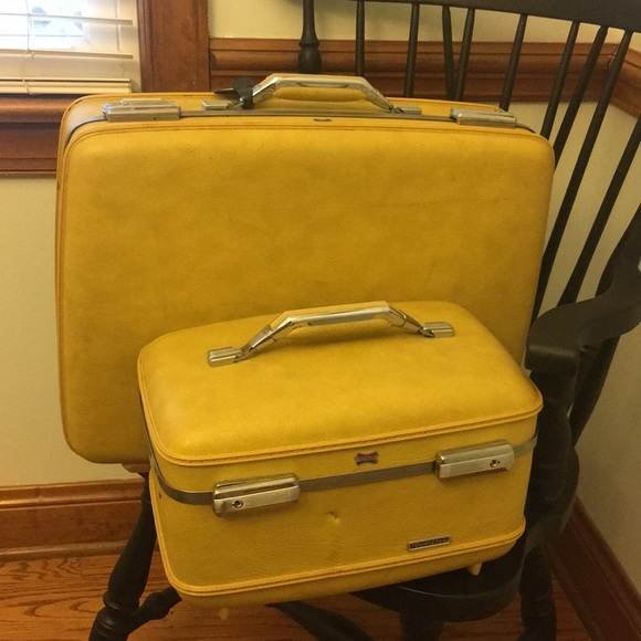 b5911fcbd American Tourister Accessories - Retro vintage American Tourister luggage  set